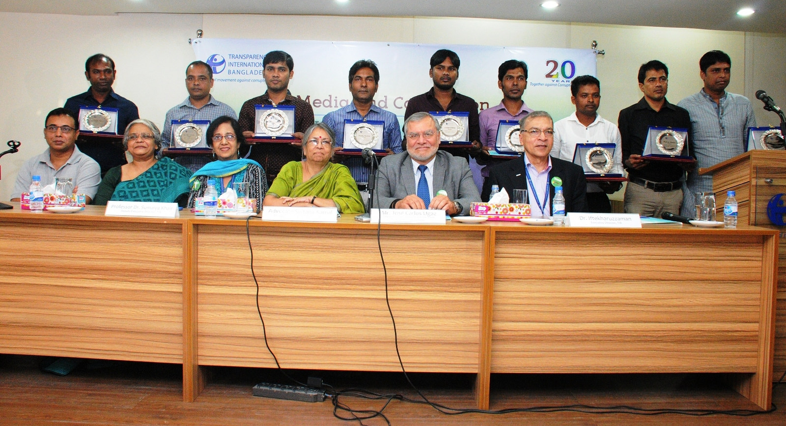 tib-announces-investigative-journalism-awards-2016-ti-chair-calls-bangladeshi-journalists-to-continue-to-produce-more-investigative-reports